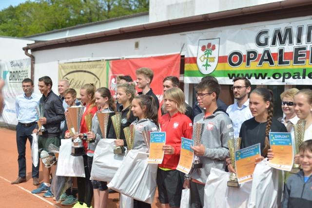 """Ilustracja do informacji: XX Międzynarodowy Turniej tenisa ziemnego """"Opalenica Cup"""""""